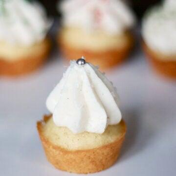 Easy vanilla bean cupcake recipe by Edible Times