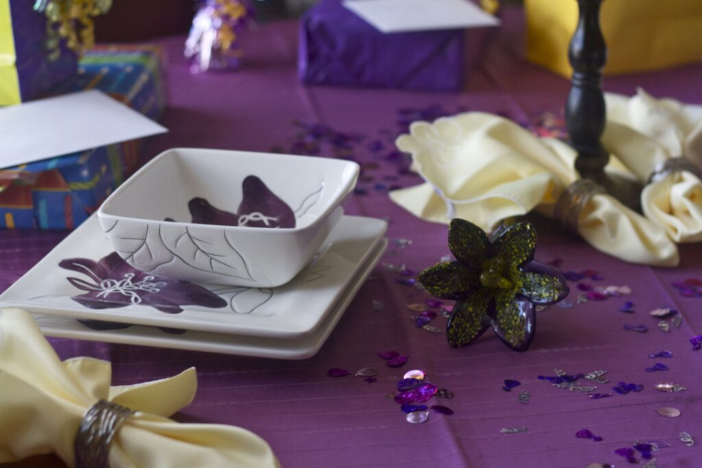 how to decorate a birthday table with Edible Times