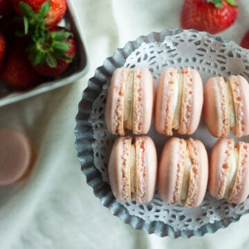 Strawberry macarons recipe from Edible Times