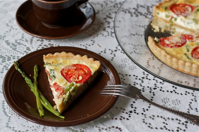 Asparagus and tomato quiche with whole wheat crust from Edible Times