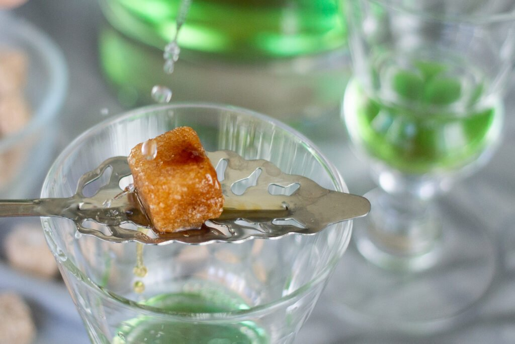How to serve absinthe.