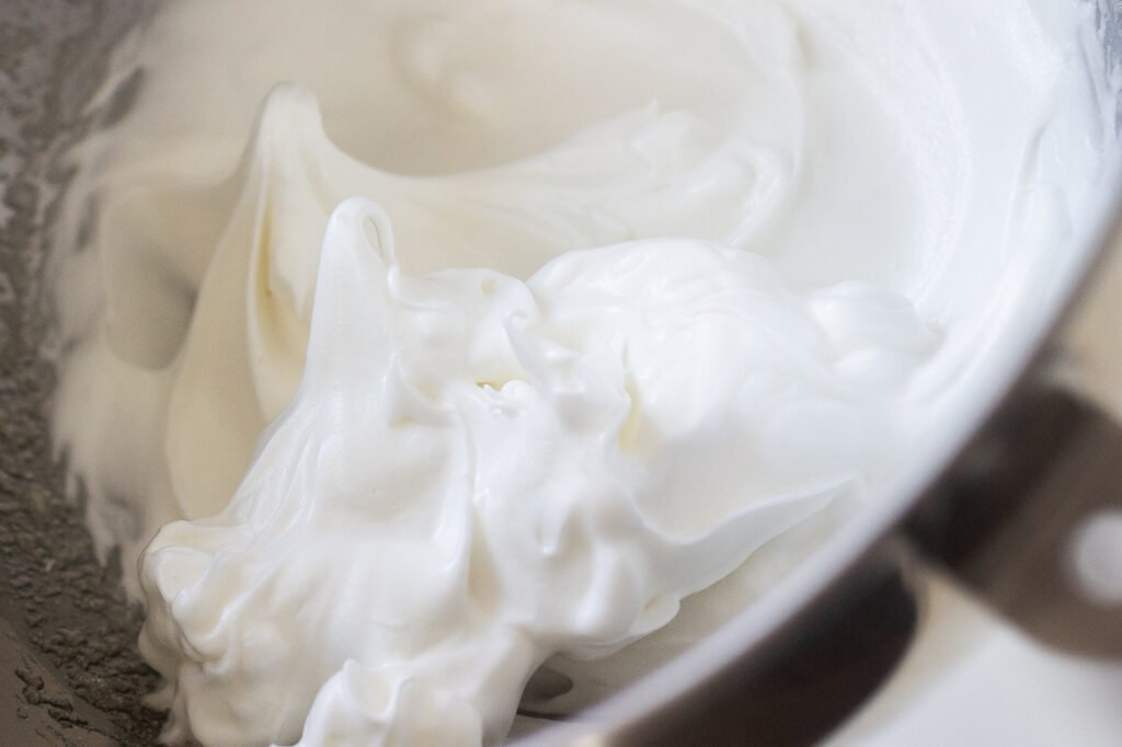 Whipped egg whites for soufflé pancakes